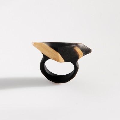 pierścionek z drewnem lipowym