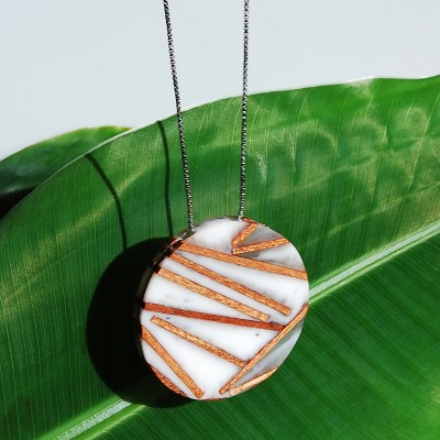 Round Necklace with Wood