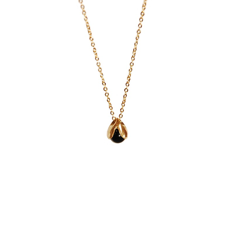 LILY OF THE VALLEY gold necklace with onyx