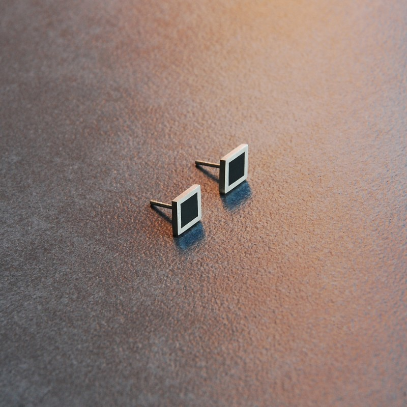 mini rhombus earrings