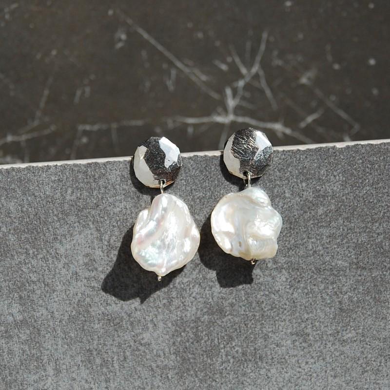 kolczyki medaliony z perłami